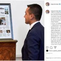 """Taglio dei parlamentari, Di Maio con 'la Repubblica' in cornice: """"Promessa mantenuta dal..."""