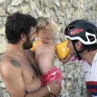 Ciclista per solidarietà, raccoglie 36mila euro per un bambino malato