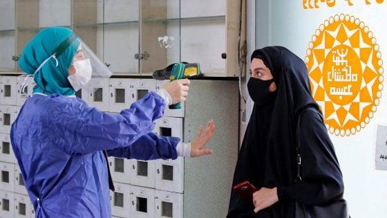 """Iran, rivelati i numeri segreti della pandemia: i decessi sarebbero il triplo. """"Il Paese ha nascosto i dati"""""""