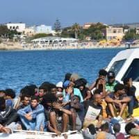 """Tunisia, il presidente contro i trafficanti: """"Non tolleriamo le traversate illegali"""""""