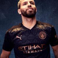 Manchester City, presentata la nuova maglia da trasferta