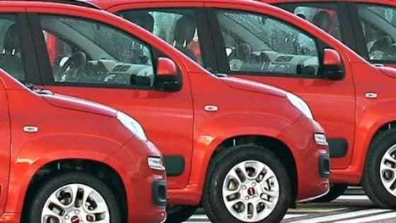 Auto, rallenta il calo delle immatricolazioni: in luglio meno 11%