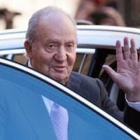 Travolto dagli scandali, re Juan Carlos abbandona la Spagna