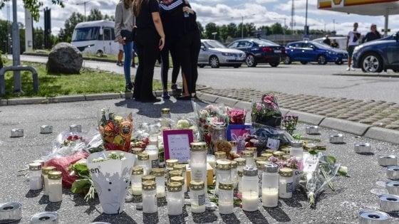 Pallottola vagante uccide una dodicenne, la Svezia insorge contro la guerra tra gang rivali