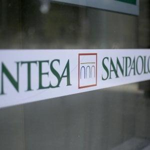Intesa Sanpaolo, utile in crescita nel primo semestre. Nuovo piano entro il 2021