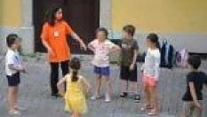 """""""I bambini più contagiosi dei grandi"""". L'allarme degli esperti per la scuola"""