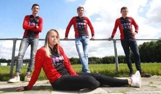Storico in Olanda: una ragazza in prima squadra con i maschi