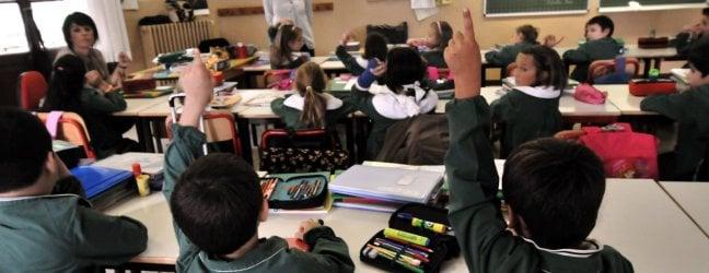 """Scuola, via libera all'aumento degli organici: 40 mila docenti e altre 10 mila assunzioni. Azzolina: """"Ridurremo gli alunni per classe"""""""