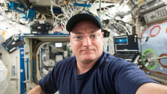 "Trump: ""La Nasa era morta, l'ho resuscitata"". E l'ex astronauta Kelly lo zittisce con un tweet"