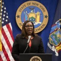 """La procura di New York denuncia per frode la lobby delle armi: """"La Nra va sciolta"""""""