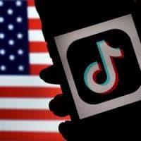 """Pompeo lancia l'operazione """"reti pulite"""": via le app cinesi dai cellulari Usa"""