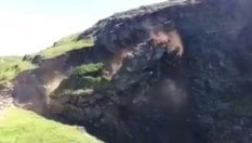 La scogliera si sgretola: gli escursionisti si salvano per un soffio
