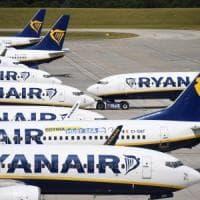 """Ryanair, la denuncia di una passeggera: """"L'aereo era mezzo vuoto, eppure ci hanno messo..."""