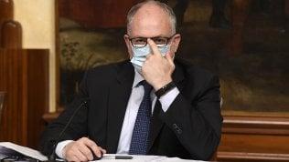 """Gualtieri: """"Non solo bonus,  il nostro decreto punta  su lavoro e investimenti"""""""
