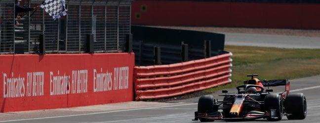 Verstappen vince a Silverstone e rompe il dominio Mercedes. La Ferrari di Leclerc ai piedi del podio