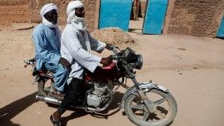 Sei turisti francesi con autista e guida massacrati in Niger da commando in moto