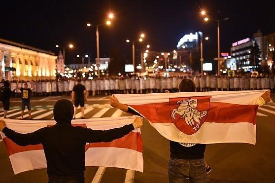 Elezioni presidenziali in Bielorussia: vittoria concessa a Lukashenko, ma subito scoppiano scontri nel Paese