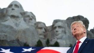 """La richiesta della Casa Bianca: """"Anche Trump tra i volti del Monte Rushmore"""""""