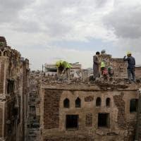 Yemen, piogge torrenziali. Collassa il centro storico gioiello a Sana'a