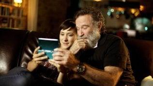 A sei anni dalla morte, Zelda sceglie di 'non' ricordare il papà Robin Williams. E arriva il doc...