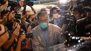 Rilasciati su cauzione il magnate Jimmy Lai  e l'attivista Agnes Chow