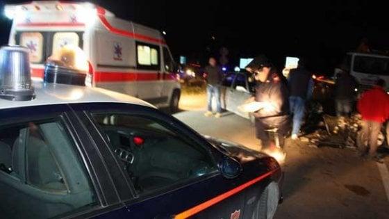 Dramma sulle montagne di Cuneo: un'auto finisce fuori strada, morto il conducente e altri quattro ragazzi tra gli 11 e i 16 anni