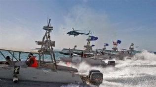 Iran blocca una petroliera nello stretto di Hormuz: risale la tensione con Washington
