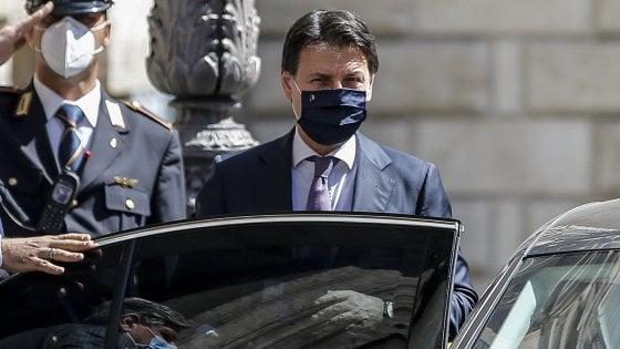 """Covid, avvisi di garanzia a Conte e sei ministri. Il pm: da archiviare. Il premier: """"Mi assumo responsabilità politica"""""""