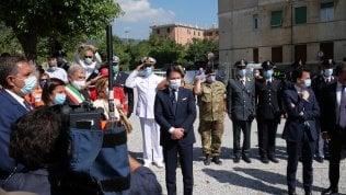 """Genova, la commemorazione per le 43 vittime. Conte: """"Garantire infrastrutture sicure"""". Di Maio: """"Giustizia solo con Benetton fuori da Aspi"""" video"""