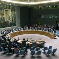 Iran, l'Onu boccia la mozione Usa sull'embargo di armi. L'ira di Pompeo