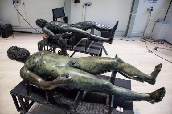 I Bronzi di Riace erano originariamente 5 ed erano biondi
