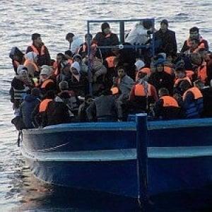 """Lampedusa in emergenza, il grido del sindaco: """"Sull'isola non sono garantite le norme sanitarie e di sicurezza"""""""