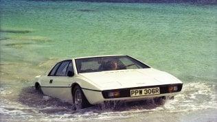 L'auto che va sull'acqua. Dal cinema alla realtà, i modelli anfibi