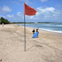 Bali. Spiagge e mercatini deserti. E i turisti stranieri non si vedranno fino al 2021