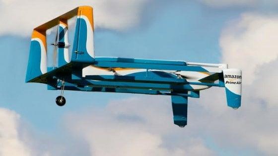 Amazon, via libera della FAA alle consegne di pacchi con droni