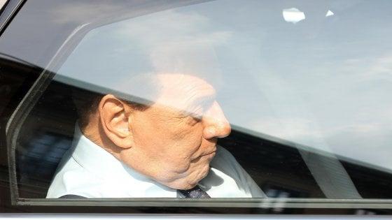 Silvio Berlusconi ricoverato al San Raffaele a Milano per accertamenti dopo positività al Covid