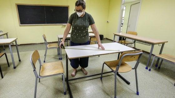 Mascherine, ecco il verbale: gli alunni seduti in classe potranno toglierle