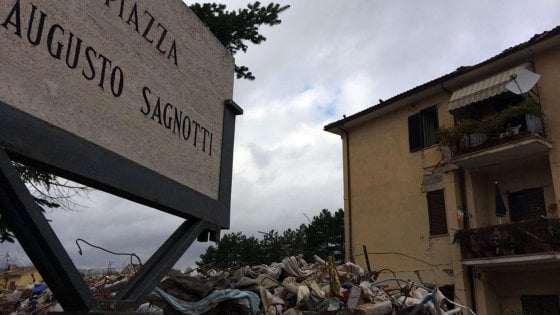 """143743546 e80d2512 475d 47f9 b6ed 792b0385c463 - Terremoto di Amatrice, pochi pilastri e cemento scadente: così crollarono due case popolari. Il giudice: """"Concause umane e non sisma eccezionale"""""""