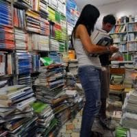 Scuola, libri più cari dell'1,5% e famiglie più povere. Per Federconsumatori è stangata