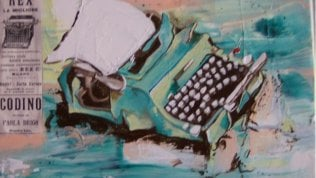 La macchina da scrivere verde Opera di Sara Lovari