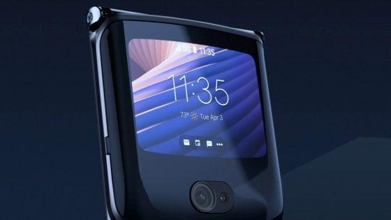 Motorola, il Razr foldable, adesso anche 5G