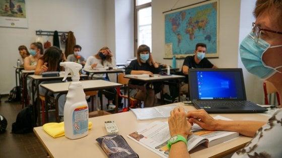 Scuola e Covid: il  50% del personale ha fatto test, 13mila i positivi