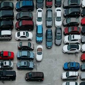 """""""Incentivi auto già finiti"""". L'allarme dei costruttori"""