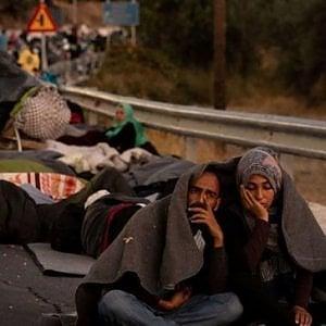 Lesbo, i migranti tolti dalla strada ma poi sistemati in luoghi che somigliano troppo ad un carcere