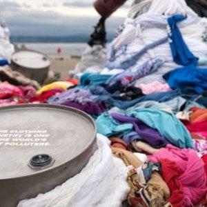 L'industria dell'abbigliamento: tutto quello che sarebbe necessario fare per ridurre l'inquinamento e che invece non si fa