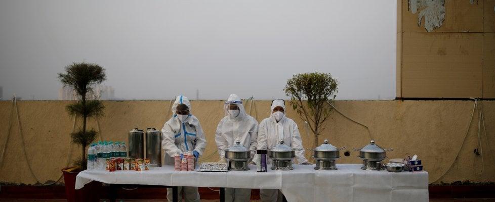"""Coronavirus, Oms: """"Mondo ancora all'inizio della pandemia"""". L'India supera i 5 milioni di casi"""