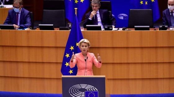 Ue, Von der Leyen: Migranti, aboliremo il sistema di Dublino