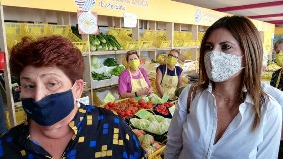 Regionali, insulti sessisti sui social contro la ministra Bellanova in Veneto per sostenere Sbrollini