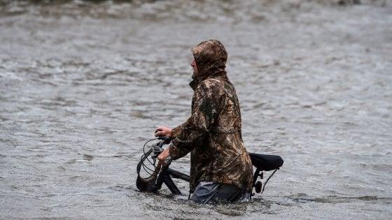 """Usa, uragano Sally: più di 500 mila americani senza elettricità. """"Caduti quattro mesi di pioggia in quattro ore"""""""