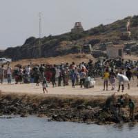 Lesbo, in corso il trasferimento di migliaia di rifugiati in un nuovo campo